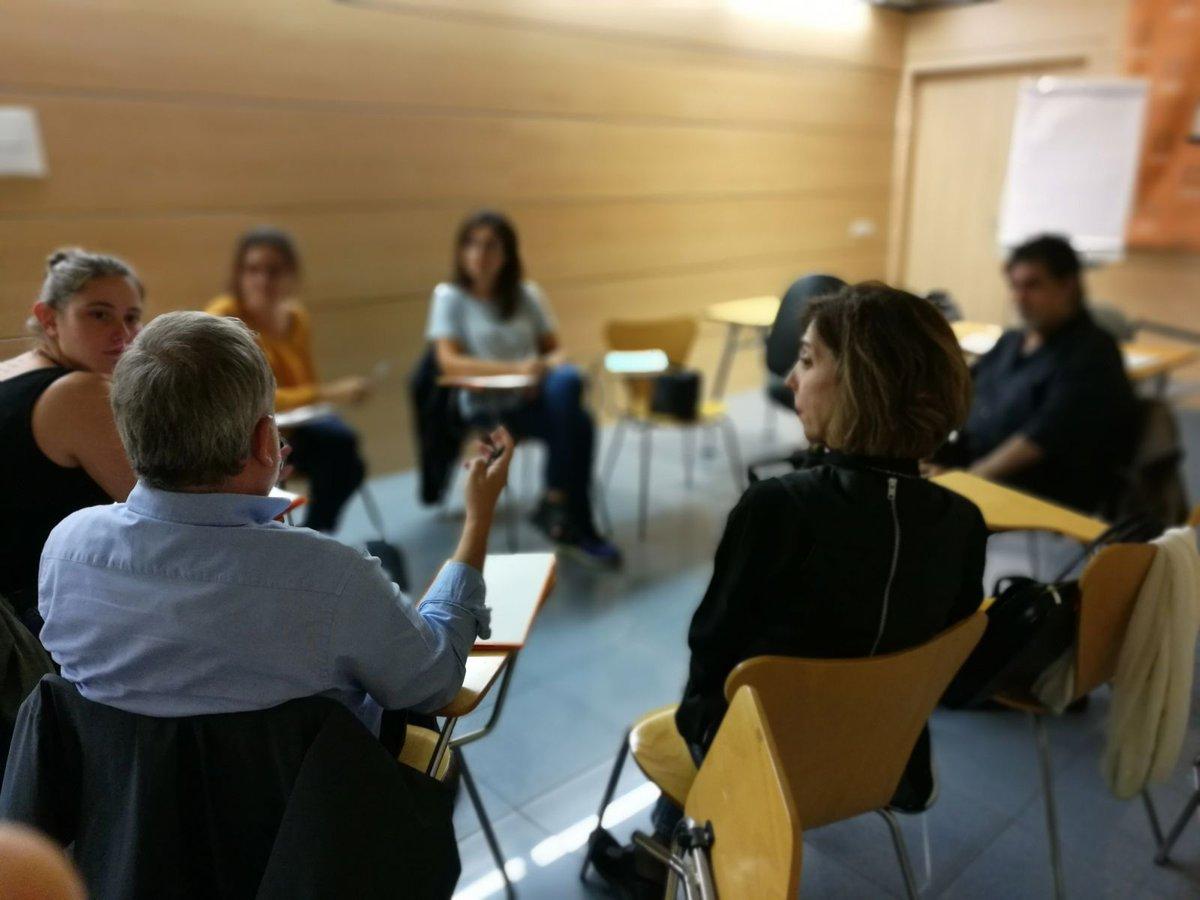 test Twitter Media - Tarda de pluges que convida a fer escola de #voluntariat parlem sobre intel·ligència emocional https://t.co/LTAKugG8KG