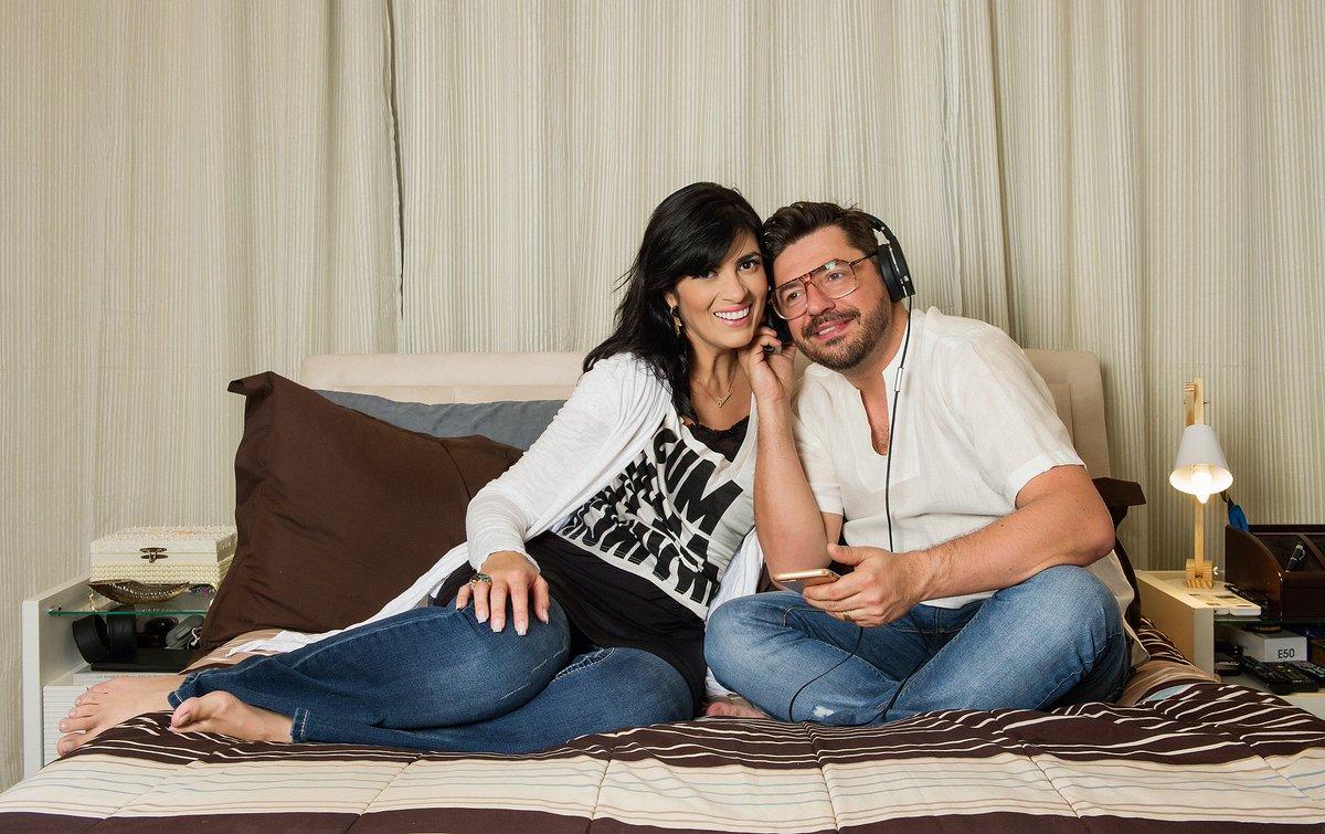 Fernanda Brum. Foto do site da Caras Brasil que mostra Fernanda Brum, @PraFeBrum, fala de superação e o sucesso da música gospel