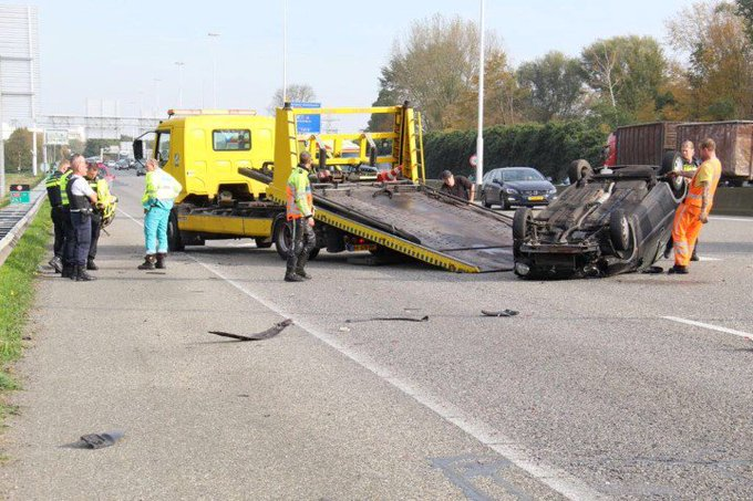 Automobilist gewond na ongeluk op de A20 https://t.co/2cH6AvD2hj https://t.co/xd3vUm6COv