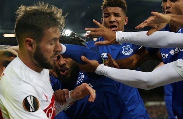 RT @OL_English: Is this football ? 😫 #EvertonOL https://t.co/ygp6O6BngV