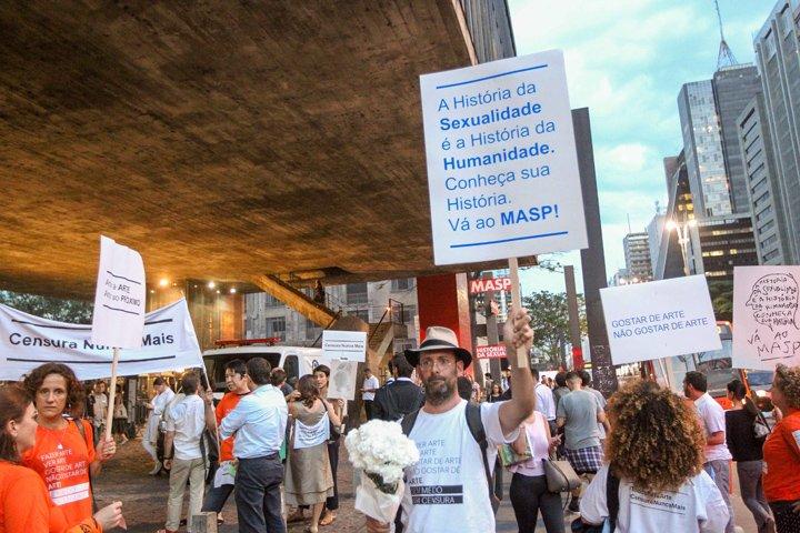 @BroadcastImagem: Protesto contra a censura da exposição