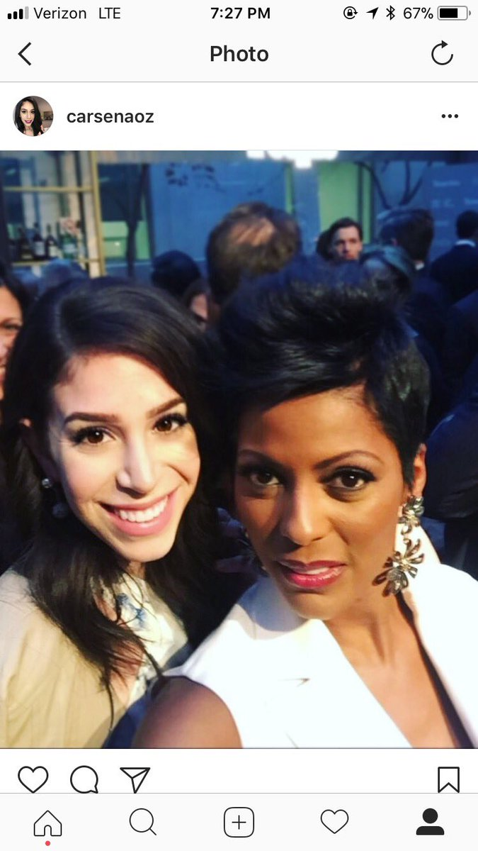 @tamronhall U are Fantastic!!! @carsenaoz you too!! By the way I think it's the second selfie between u 2. #usogala https://t.co/gXNIiRxI82