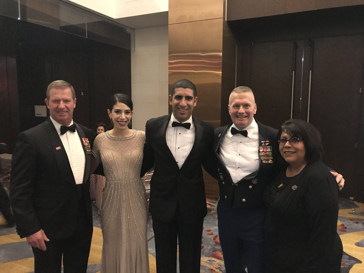 Great event tonight at the #usogala!  Proud to spend time with @shortytrox and friends!  #MOH #SMA #SEAC3 https://t.co/ucxPByxmou
