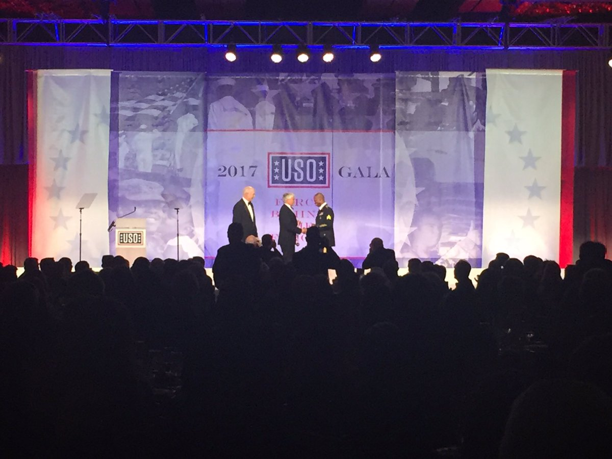 Congrats to our USO Stateside Volunteer of the Year Army Sgt. Avery Mack! #USOGala https://t.co/vLX9Cnmvaj