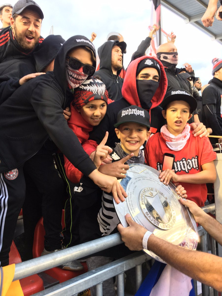 The look of happiness on these kids holding Supporters Shield. Looking forward to #DecisionDay  as we go for an MLS record.  #TFCLive #MLS https://t.co/Z3VQ5HEya8