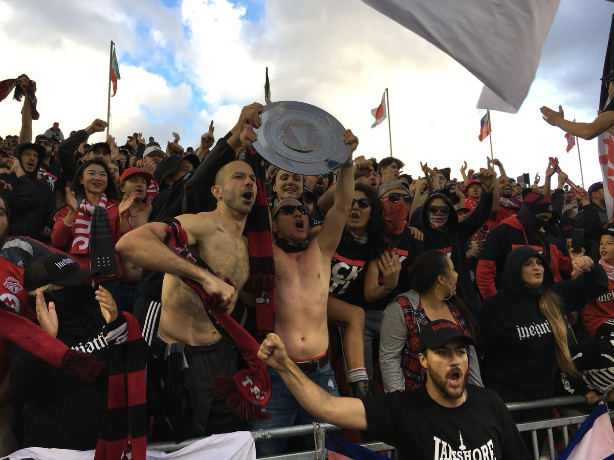 RT @TFCLeafnation: The passion of #TFC fans. #DecisionDay  #TFCLive #MLS https://t.co/zNXdOsn4QK