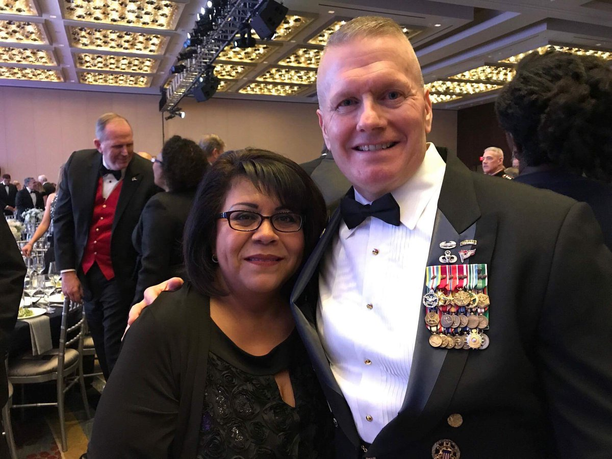 We are enjoying a fine evening honoring a fine organization @the_USO!  #usogala #SEAC3 https://t.co/G7YZxvAwlg