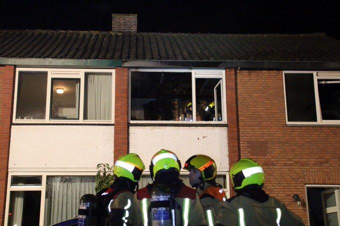 Aan de Berestein in Kwintsheul heeft brand gewoed inneem slaapkamer. Geen gewonden https://t.co/886LyC1Zj9