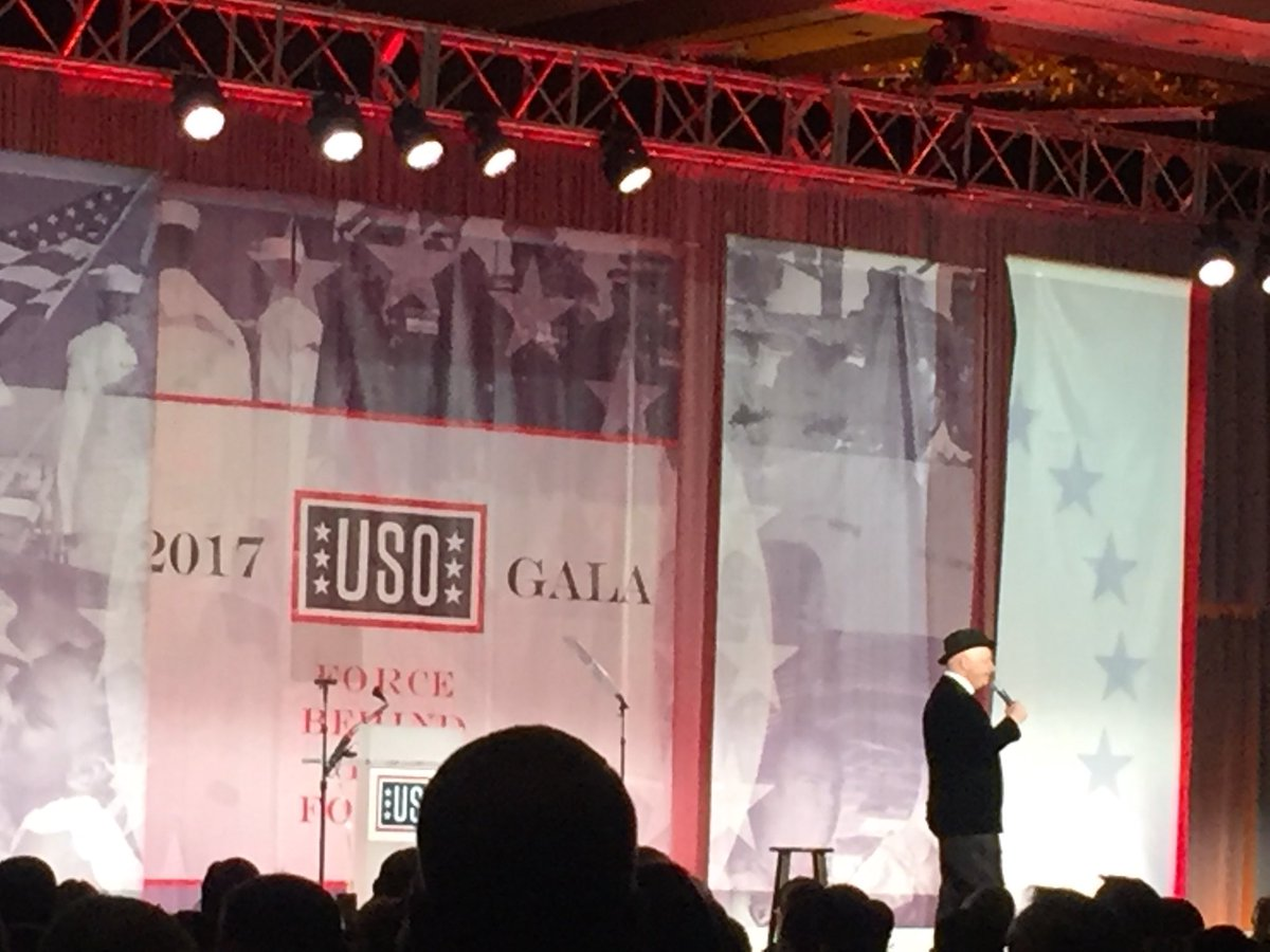 """I went to Iraq w @GenDunford for Christmas...sounds dangerous, but not as dangerous as Syria for Hanukkah"" #USOGala https://t.co/3KBt2itsYV"