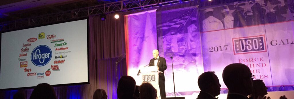 @kroger and @the_USO #usogala - what an honor https://t.co/mTxFtdQcyk