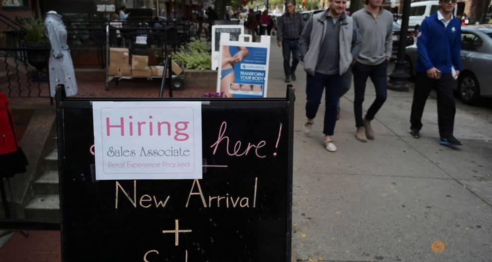 Low pay, no bonus: US retailers struggle with hiring