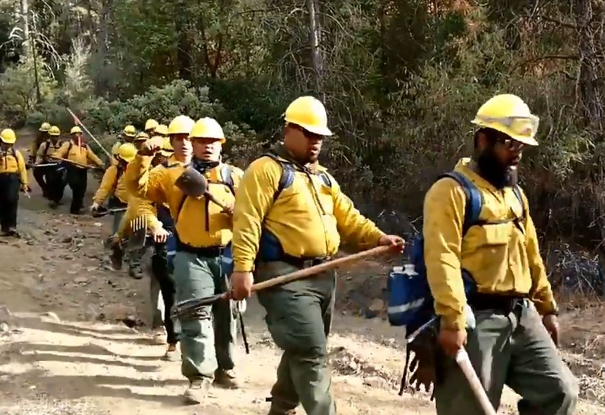 Samoan firefighters sing moving hymn in midst of California wildfires