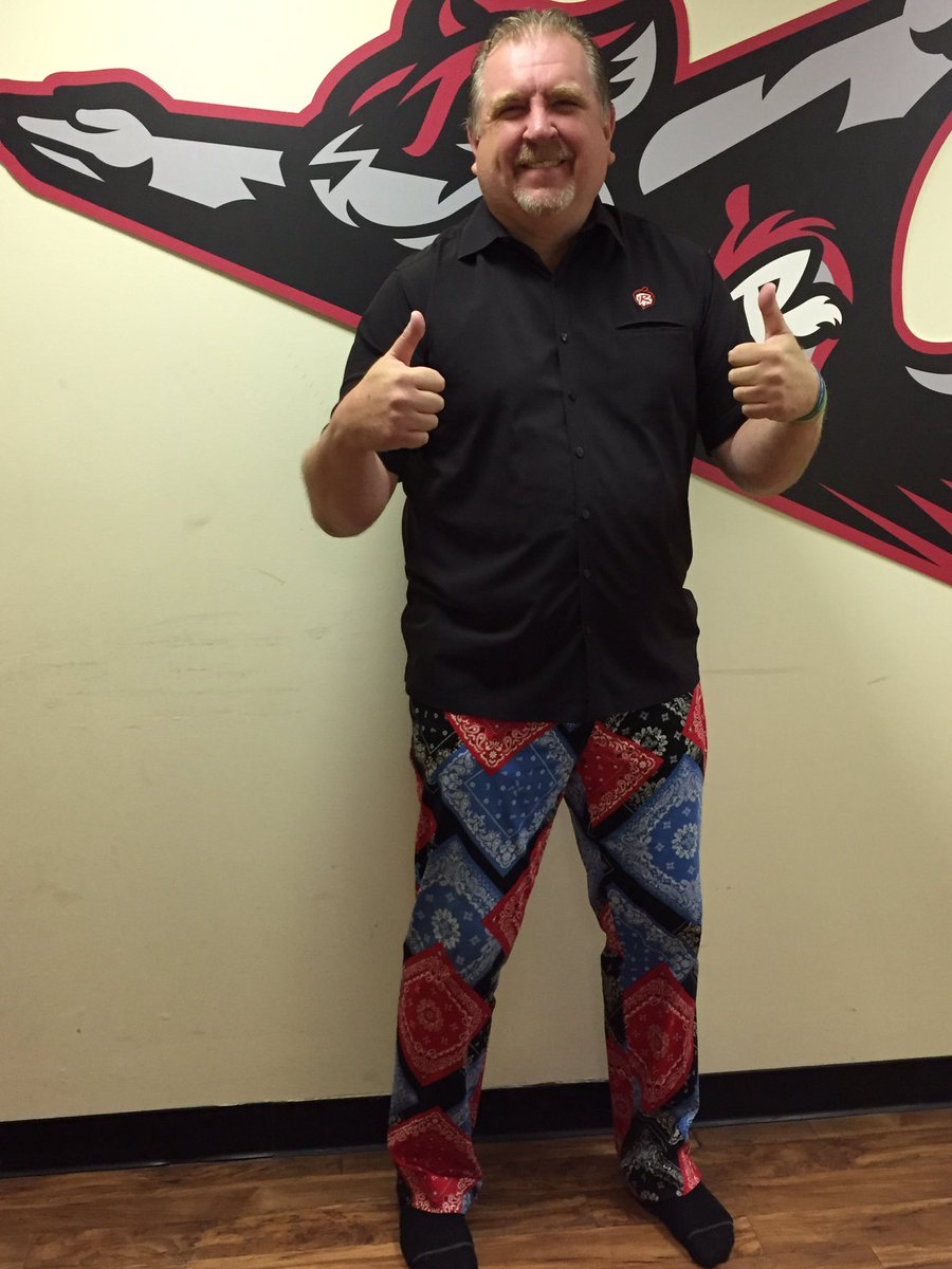.@tweetparney has his pants picked out for the @DECCGolf tourney. What about you, @PGA_JohnDaly? #parneypants 👖 https://t.co/Nka7vd299E