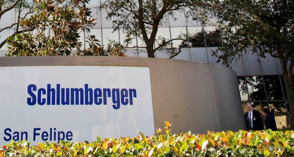 Schlumberger, Baker Hughes warn of North America slowdown