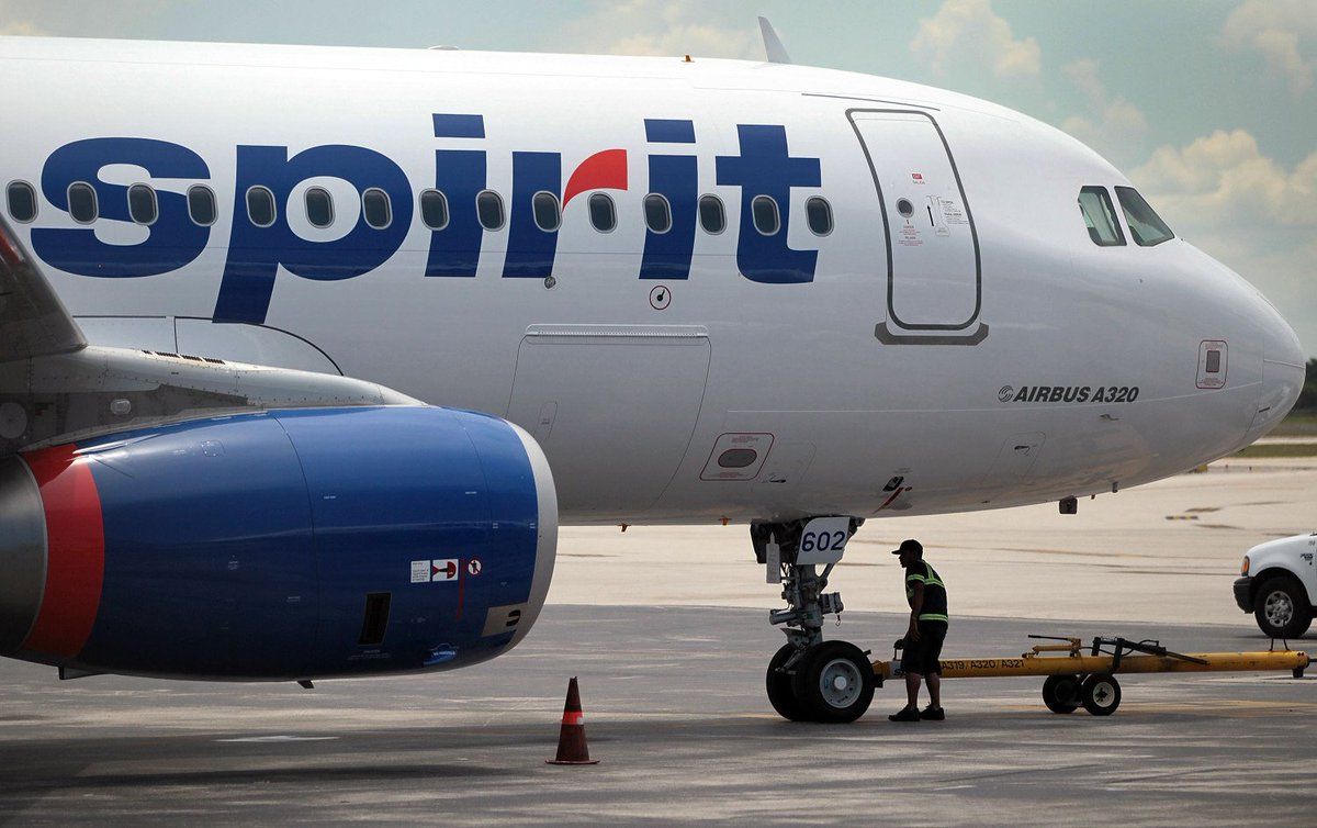 Spirit Airlines Pilots Picket Outside O'Hare, Hoping To Reach New ContractDeals