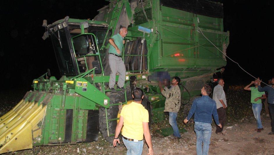 Pamuk hasat makinesinin altında kalan 2 kişi öldü   Gündem Haberleri