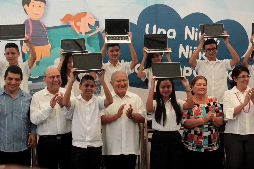 El 43% del Presupuesto es para resolver los problemas urgentes del país - Diario Co Latino