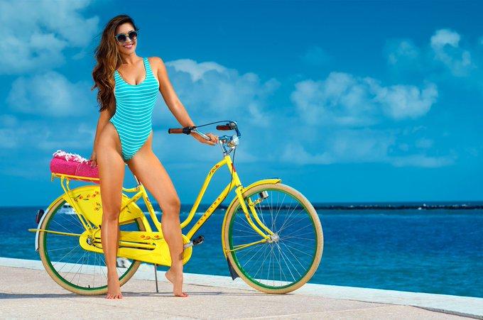 Loving these looks: https://t.co/qLkFM6YJbD #bikinis #ootd #want https://t.co/R7uT3QjGWR