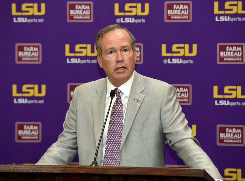 LSU President reinstates alcohol ban on Greeks, says they did not take it seriously