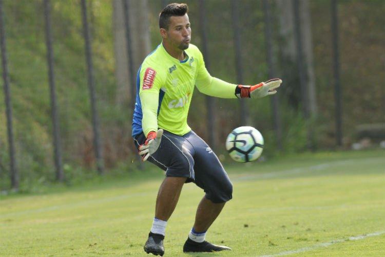 Com contrato próximo do fim, Fábio revela: 'Minha vontade é sempre permanecer no Cruzeiro'