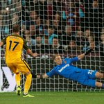 Brighton thrashes West Ham 3-0