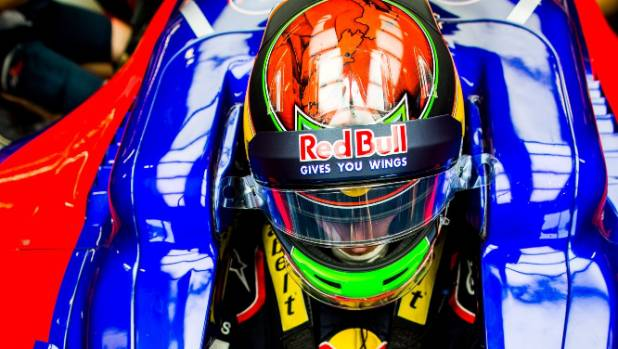 Brendon Hartley suffers helmet hiccup in US Grand Prix F1 practice session