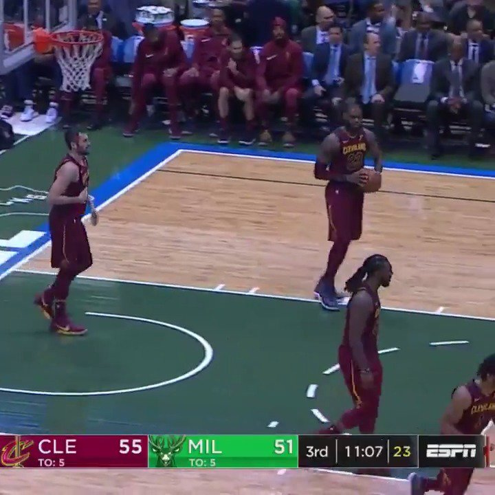 The BEST of LeBron James & Giannis Antetokounmpo during their first matchup of the season! #KiaTipOff17 https://t.co/T3f4G5sFLb