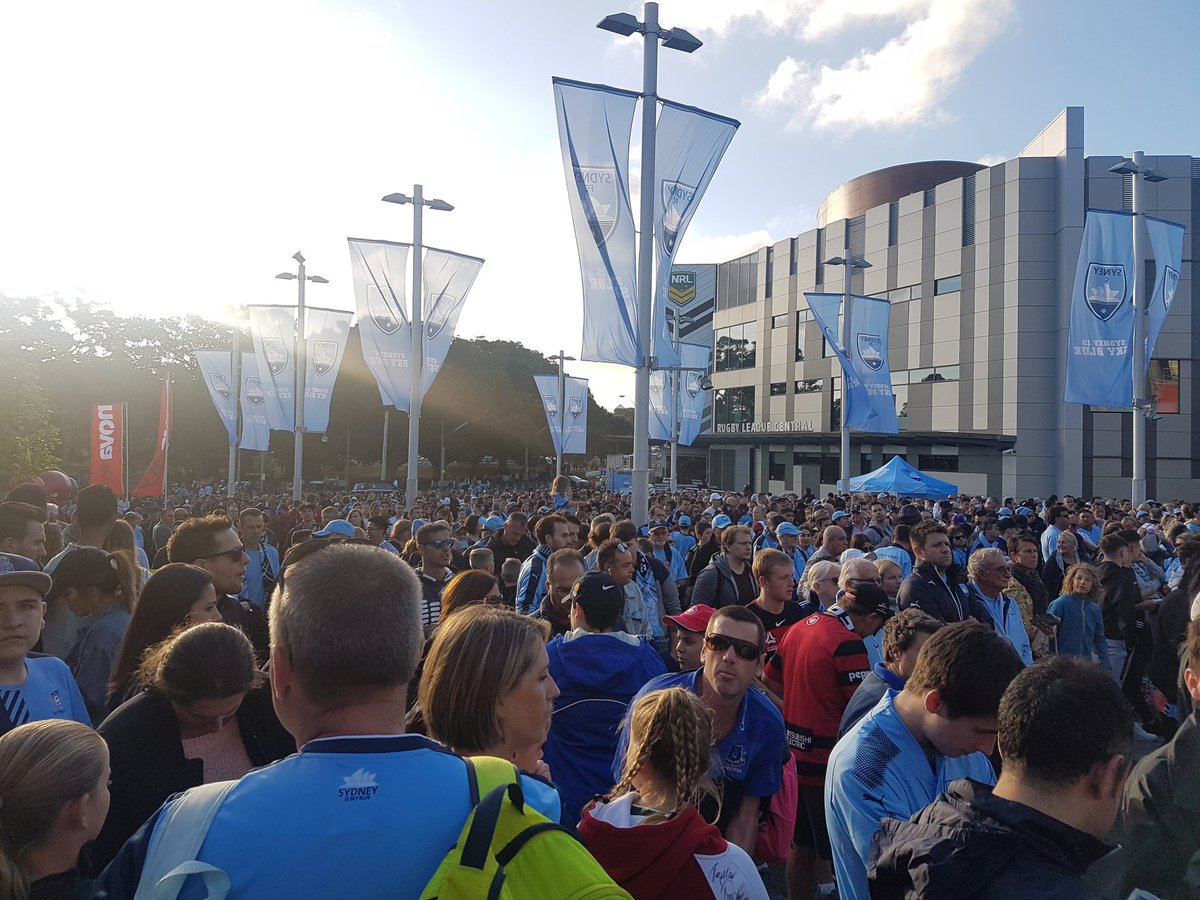 RT @Scutty: Big crowd building for the #SydneyDerby. Get in, @SydneyFC #SydneyIsSkyBlue @ALeague https://t.co/bcB9dqZdoU
