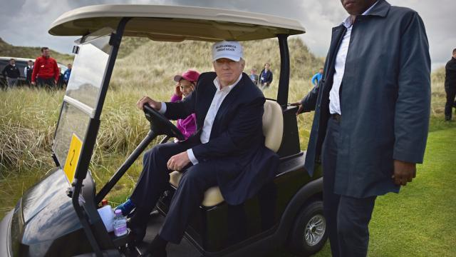 JUST IN: Trump heads to his Virginia golf club for third consecutive weekend https://t.co/9RBPEGY26M https://t.co/4aktV4kfhB
