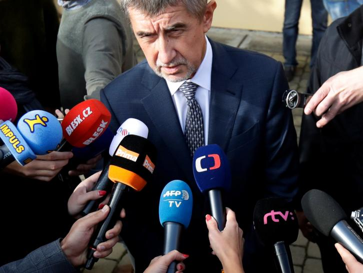 Czech voters expected to hand power to billionaire businessman Babis https://t.co/wcDhbSjXSW https://t.co/jnT7MirNU5