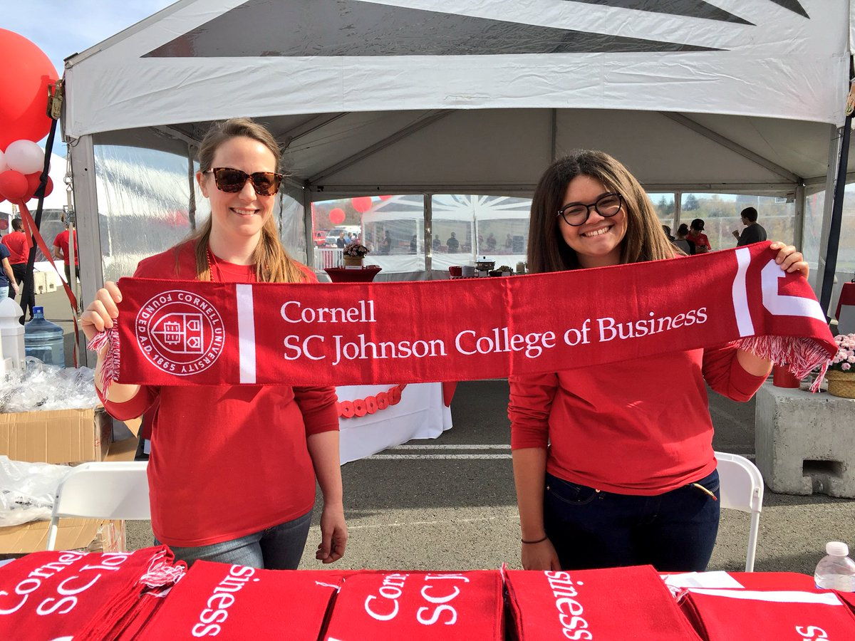 RT @DysonSchool: Come get your #CornellBusiness scarf at the #CornellHomecoming tailgate ❤️ https://t.co/6mfUGuzG80
