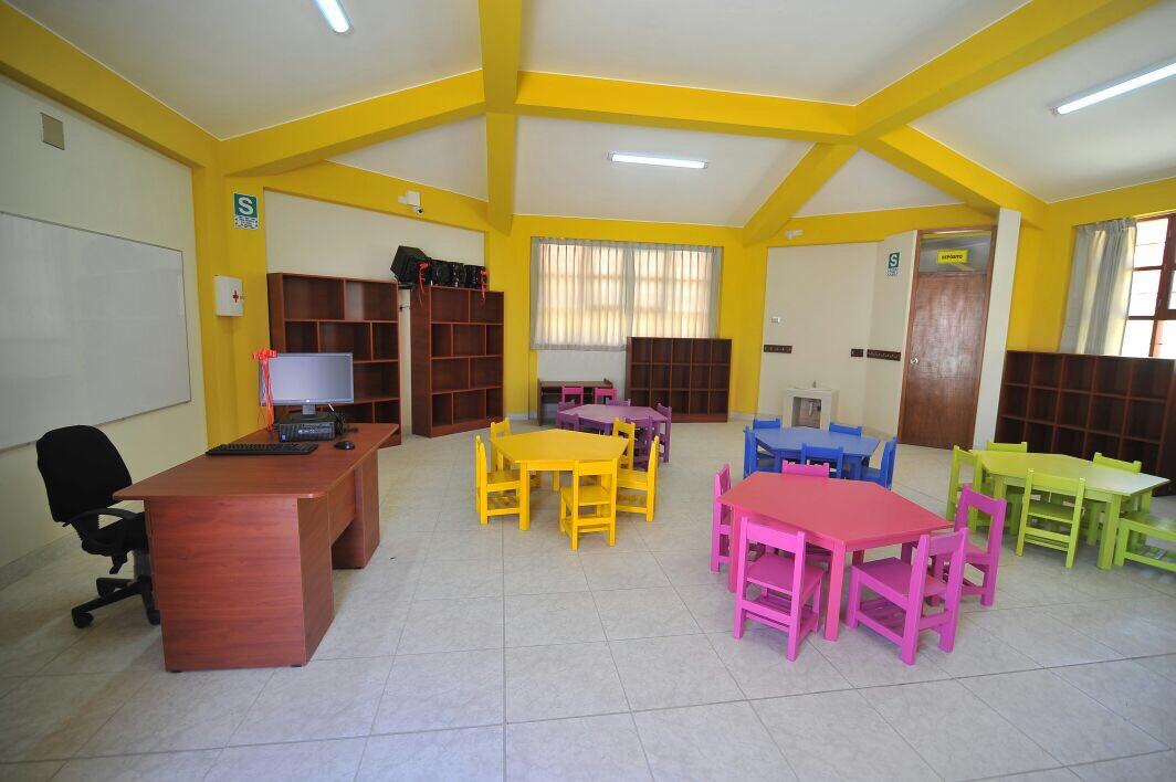 test Twitter Media - Entregamos un nuevo colegio!  Ahora en #Characato  #ArequipaSomosTodos https://t.co/wdOWMuYEn5
