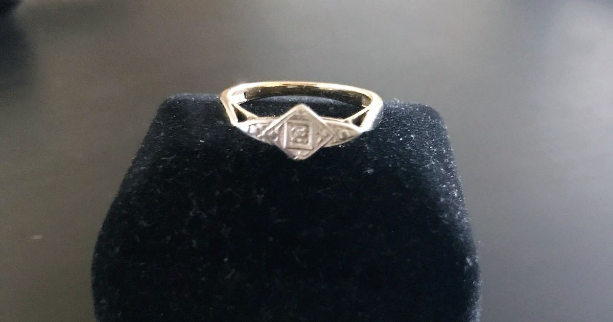 Love letter by First World War soldier found with engagement ring sparks 101-year romantic mystery