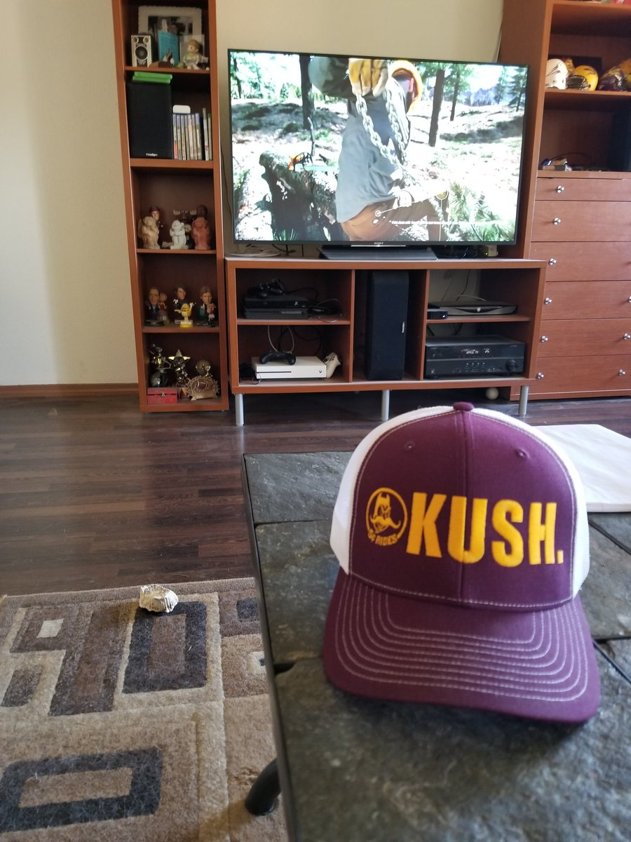 @MoustacheNation wore it to the last 2 home games. #ASUvsUTAH #GoDevils https://t.co/9LRLiukpHK