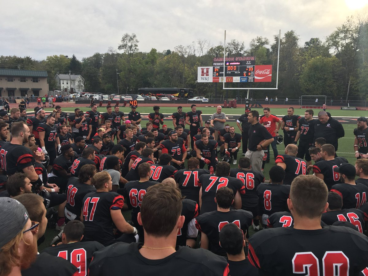 FB: Still undefeated @WJFootball!!!! #prezpride #d3fb #wjhomecoming17 https://t.co/8FdhjoWSXz