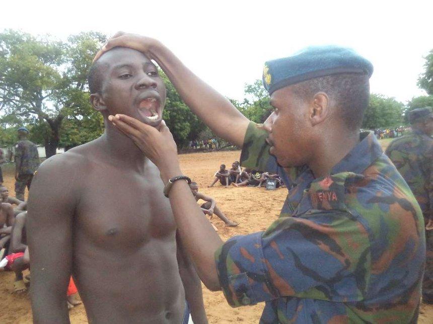 Lamu residents honour KDF soldiers as their heroes