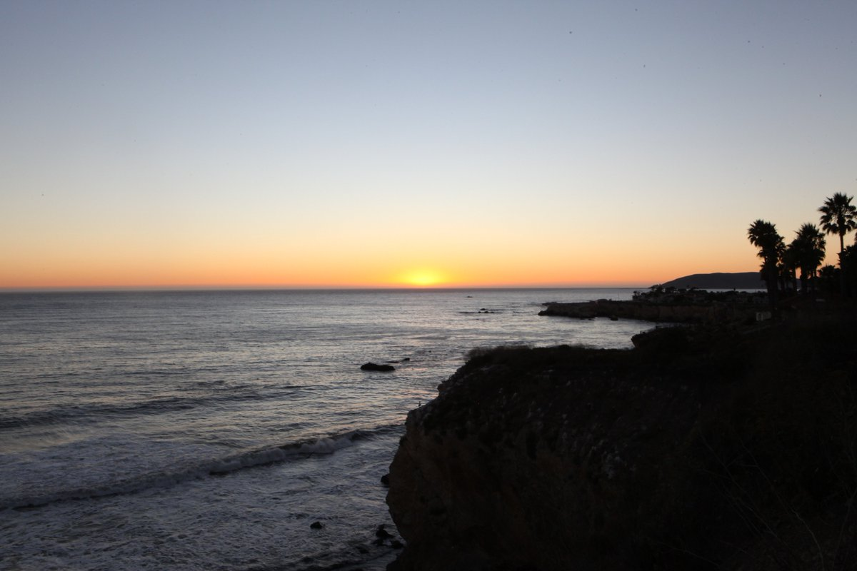 Last peek of sunset at Dinosaur Cave Park tonight.  I saw a prolonged green flash!  #beonksby https://t.co/1vVALaiaUI