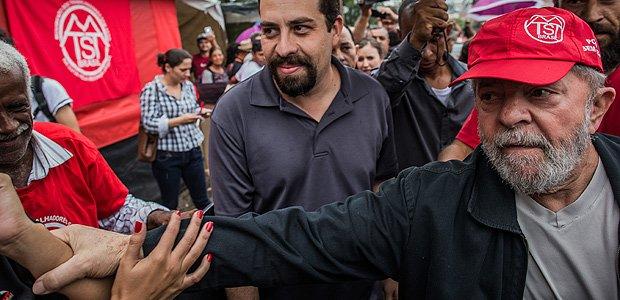 Ao lado de Boulos, Lula diz que vai doar sítio e tríplex aos sem-teto