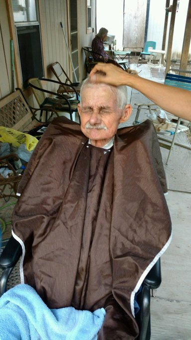 R.I.P grandpa.. I love you so much! (picture taken by my dad a while back, he was getting a haircut) :) https://t.co/uqZrMOJoJd