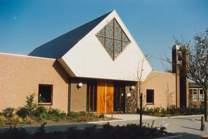 Bazaar Hervormde kerk Poeldijk voor renovatie leiendak https://t.co/kmNWA2i0xq https://t.co/leZUgfIBYQ