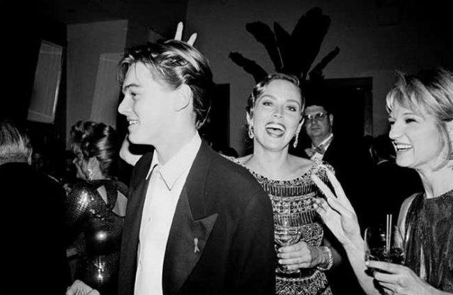#SharonStone puts the horns on a young #LeonardoDiCaprio. #actorslife #actors #actress #Cinema #movies #films #photo https://t.co/Ha4LtTtff1