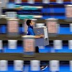 Législatives au Japon: la coalition de Shinzo Abe donnée largement victorieuse