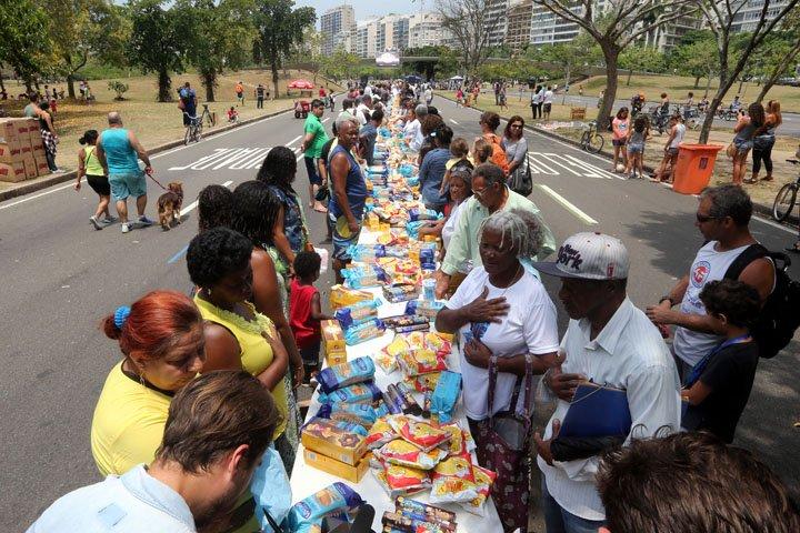 @BroadcastImagem: ONG Ação da Cidadania relança campanha Natal Sem Fome no Aterro do Flamengo, zona sul do Rio. Wilton Júnior/Estadão