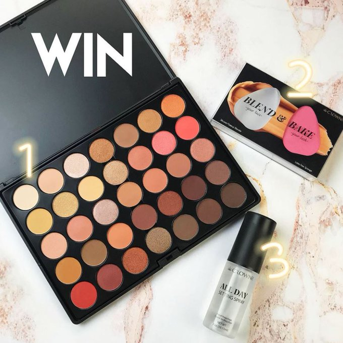 Showcase Giveaway. Win a Crown Brush Rose Gold Palette and more