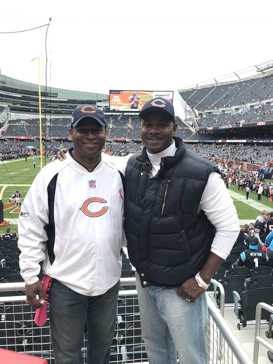 test Twitter Media - Enjoying a Sunday afternoon with my dear friend from high school, former Chicago Bear Ray McElroy!  Let's get a Bears Win today! #GoBears https://t.co/D3HwDgBX8V