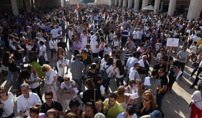 [WATCH] Thousands attend demonstration in wake of Daphne Caruana Galizia's murder