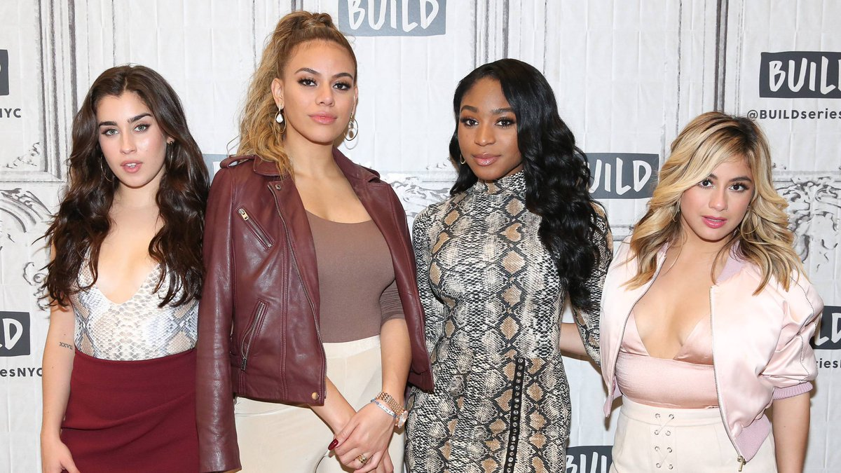 �� @FifthHarmony is already in the holiday spirit with their new ballad 'Can You See.' https://t.co/vYgw2C3irL https://t.co/TPUHf1GHfW