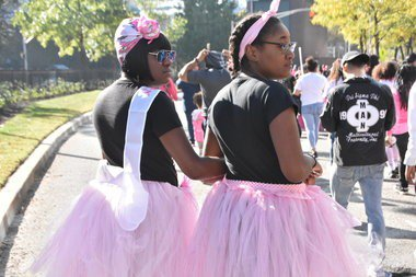 Walk raises $329k for breast cancer research and education