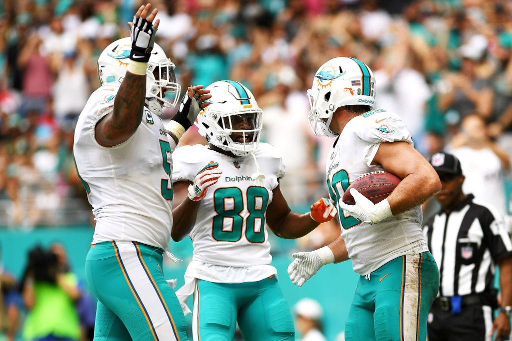 Dolphins turn a late-game Josh McCown interception into game-winning FG, defeat Jets 31-28