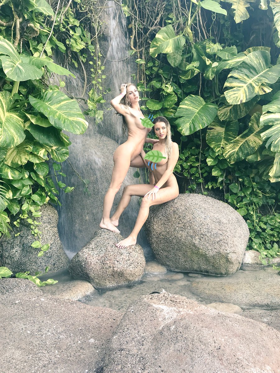 1 pic. What do u think of these behind the scenes shots of & I together in Mexico? 🍃